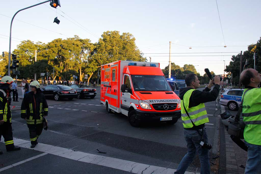 Köln Unfall Aachener Str